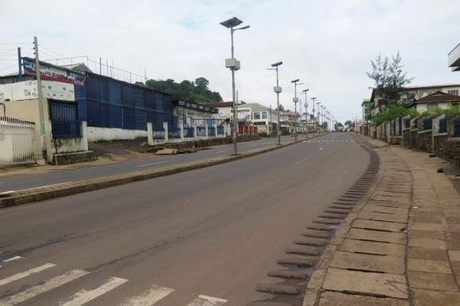 An empty street is seen at the start of a three-day national lockdown in Freetown September 19, 2014