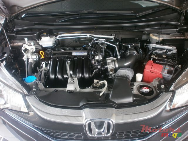 2015 Honda Fit Hybrid S Package in Curepipe, Mauritius - 7