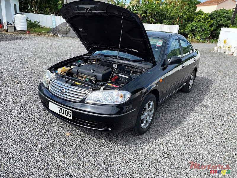 2005 Nissan Sunny N17 Manual JAPAN in Roches Noires - Riv du Rempart, Mauritius - 7