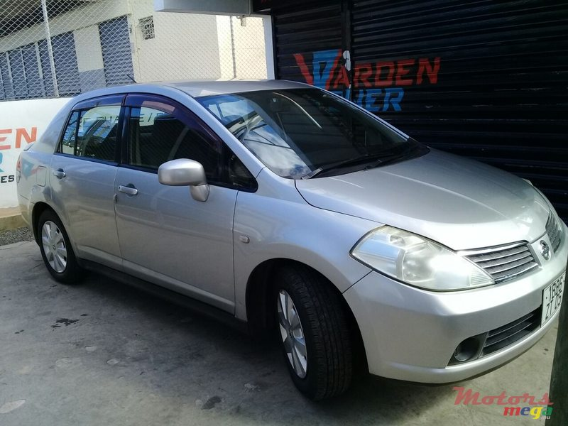2005 Nissan Tiida in Port Louis, Mauritius