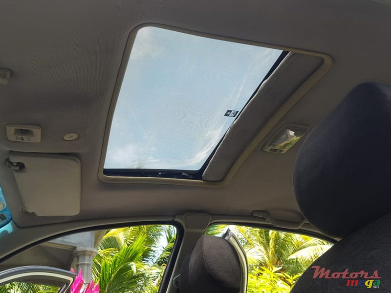 1999 Rover 200 in Roches Noires - Riv du Rempart, Mauritius