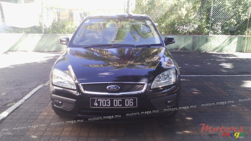 2006 39 ford focus for sale 275 000 rs flic en flac for Mega motors loop 12