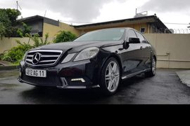 2011' Mercedes-Benz E250 AMG pack automatic