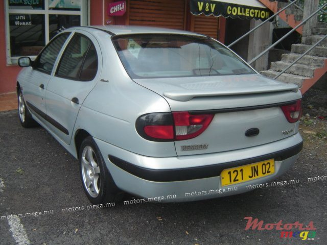 2002 39 renault megane vendre 135 000 rs quartier for Mega motors loop 12