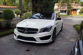 2014' Mercedes-Benz CLA 250 dorigine