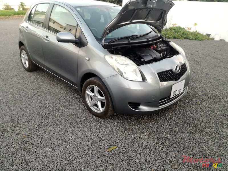 2006 Toyota Yaris Manual in Roches Noires - Riv du Rempart, Mauritius - 7