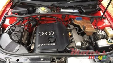 1998 Audi A4 avec body kit, plaque personal in Rose Hill - Quatres Bornes, Mauritius - 3