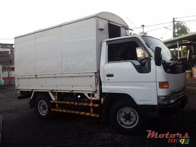 1995 Toyota Dyna in Quartier Militaire, Mauritius