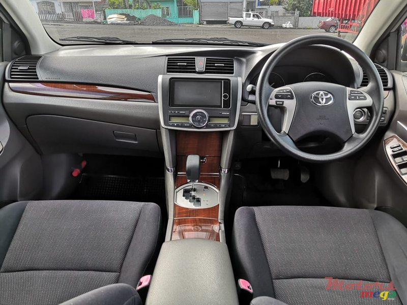 2013 Toyota Allion A15 1500cc in Rose Belle, Mauritius - 2
