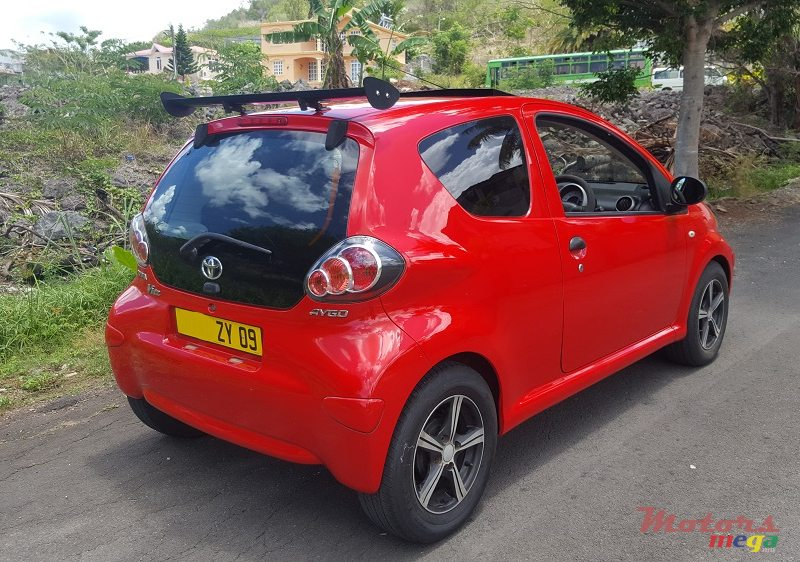 2009 39 toyota aygo 1 0 vendre 250 000 rs b hoolash motors terre rouge maurice. Black Bedroom Furniture Sets. Home Design Ideas