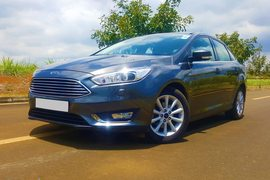 2015' Ford Focus 1.6 Sedan Titanium