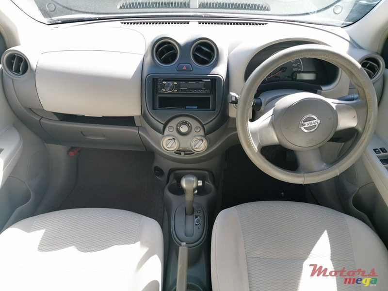 2010 Nissan March Ak13 en Trou aux Biches, Maurice - 5