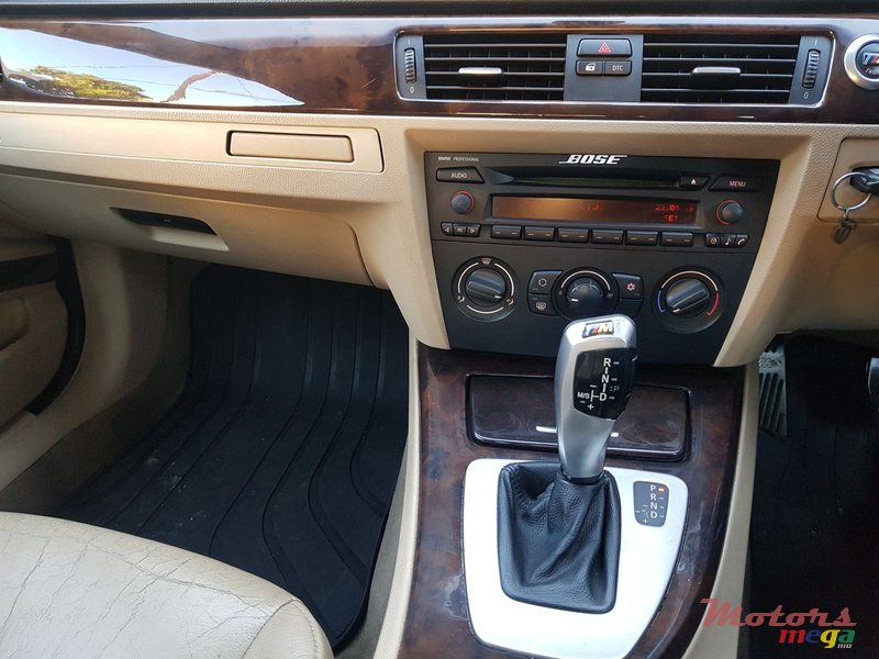 2005 BMW 320 Automatic in Vacoas-Phoenix, Mauritius
