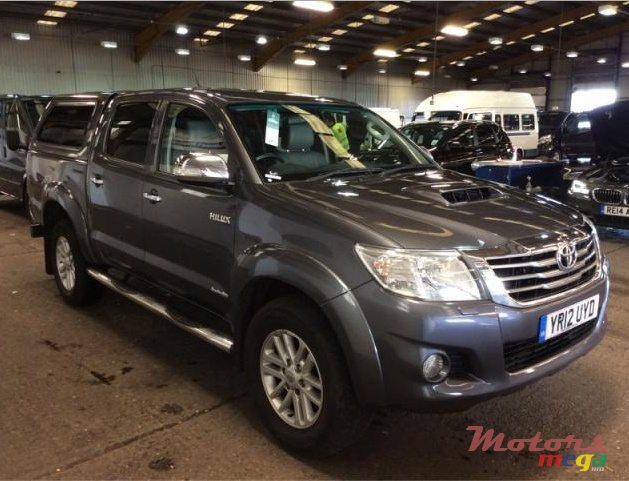 2012' Toyota Hilux Invincible for sale - 1,150,000 Rs