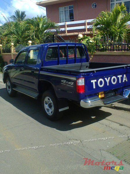 2001 39 toyota hilux 4x4 for sale 235 000 rs moka mauritius. Black Bedroom Furniture Sets. Home Design Ideas