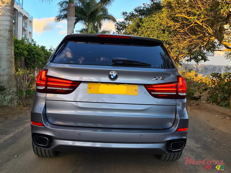 2015 BMW X5 M package 2.5d automatic in Vacoas-Phoenix, Mauritius - 3