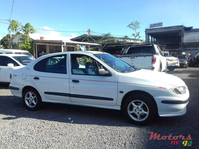 1997 39 renault megane classic for sale 50 000 rs rajoo motors quartier militaire mauritius. Black Bedroom Furniture Sets. Home Design Ideas