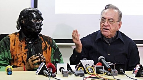 The ink attack coincided with the book launch of ex-Pakistan foreign minister Khurshid Mahmud Kasuri