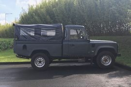2000' Land Rover Defender 110